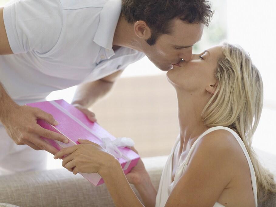 潔癖過ぎは禁物! 「キスは唾液(菌)の交換」という事実