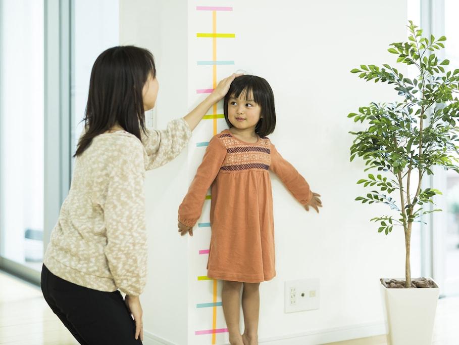 「背の高い子に育てる方法」はあるのか?