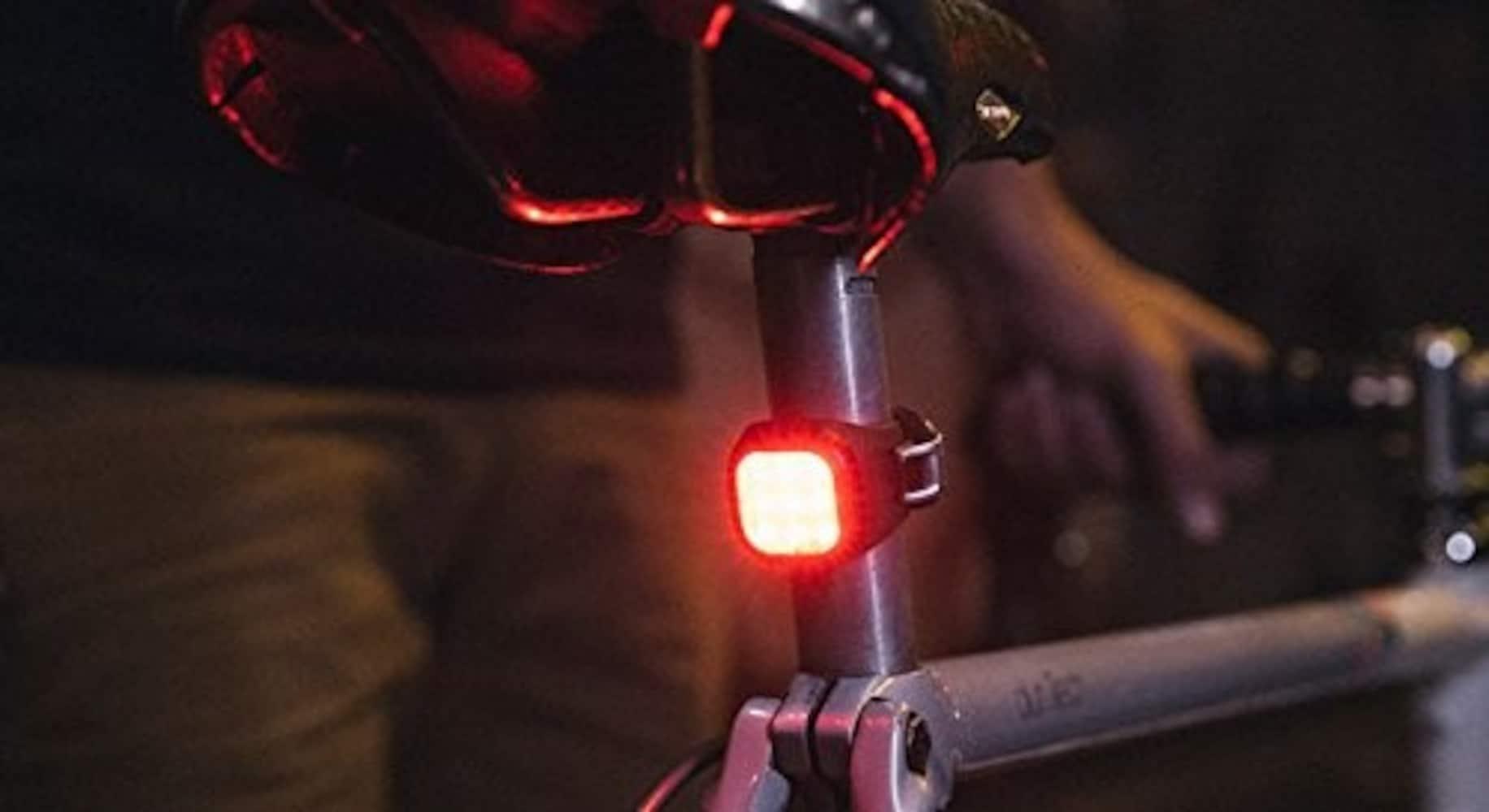 ロードバイクのリヤライト