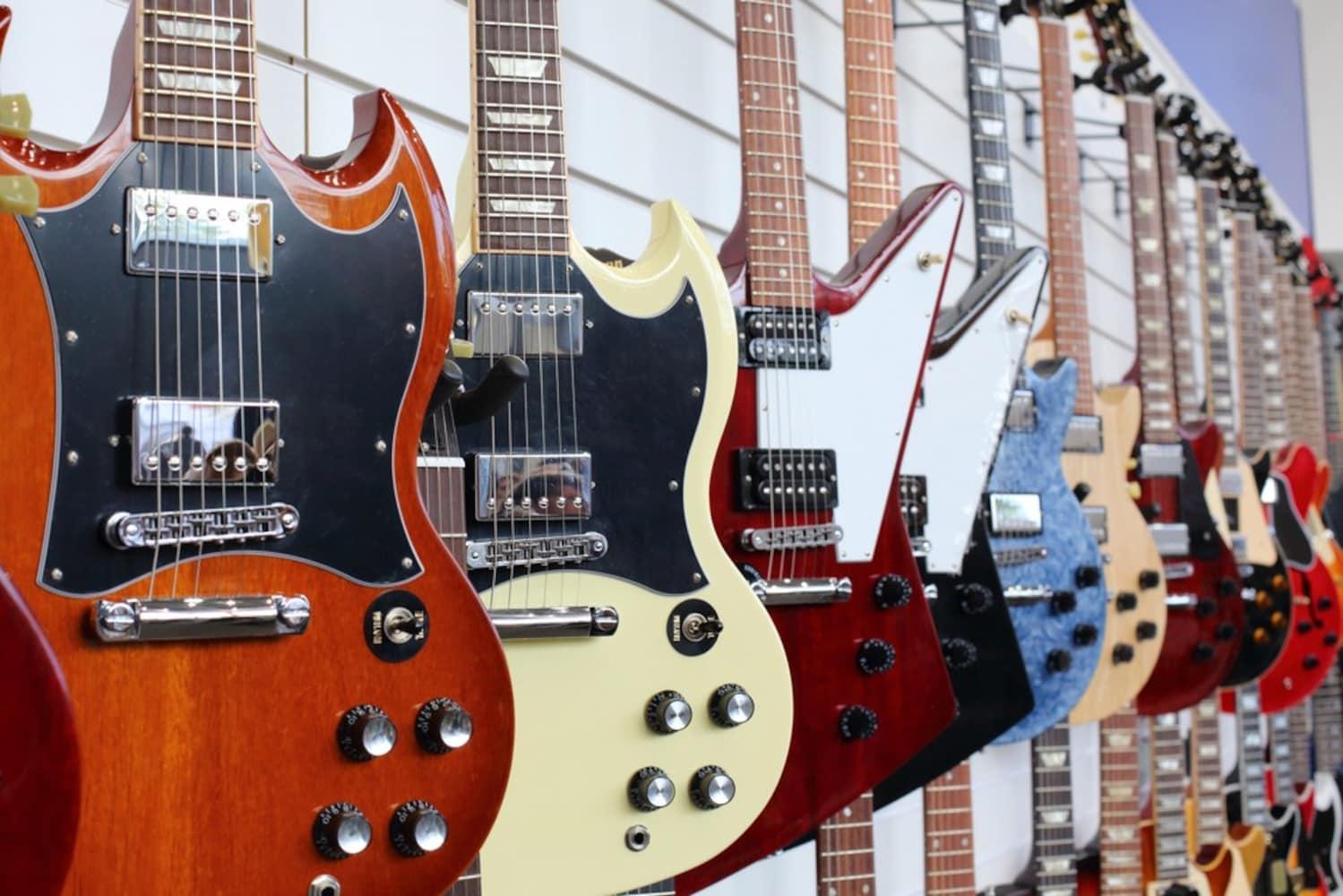 たくさんのエレキギター