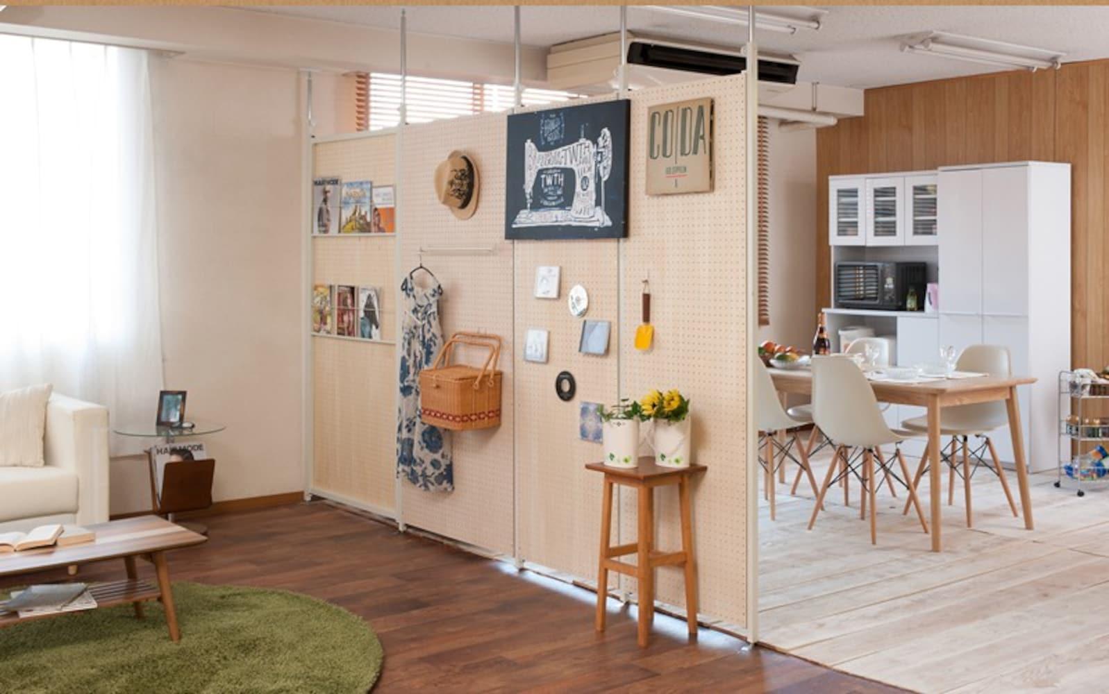 有孔ボードで作った壁面収納