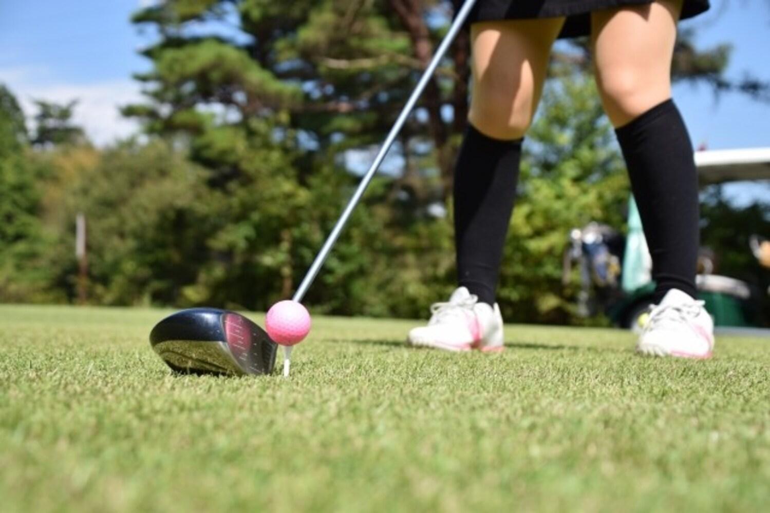 春のゴルフコーデ