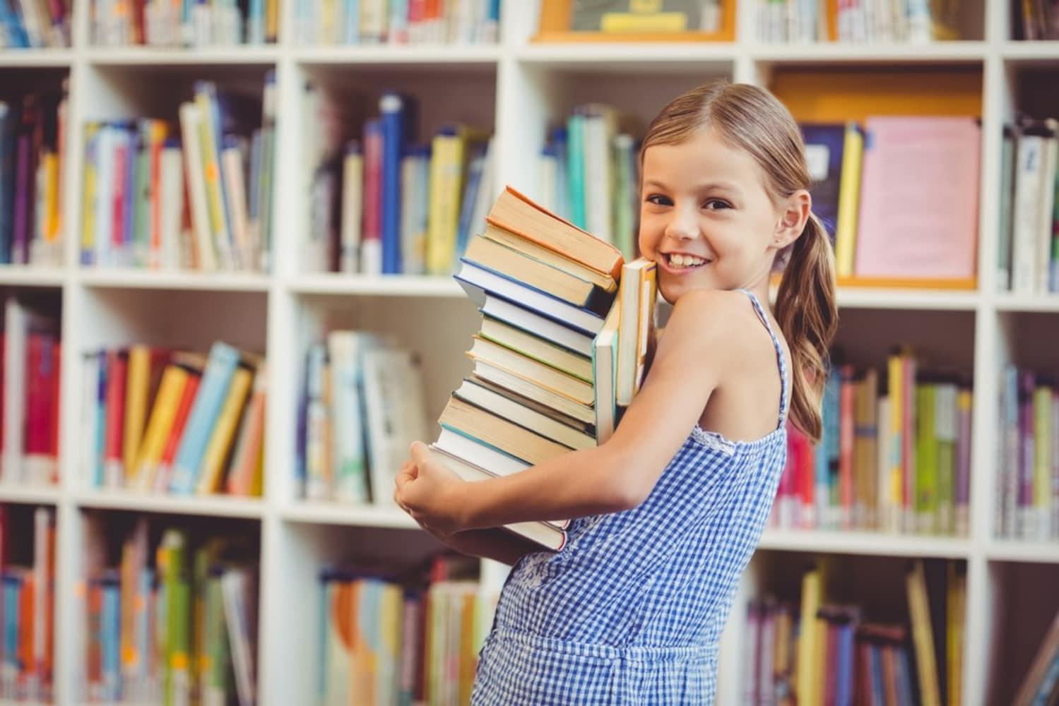 本棚と子ども