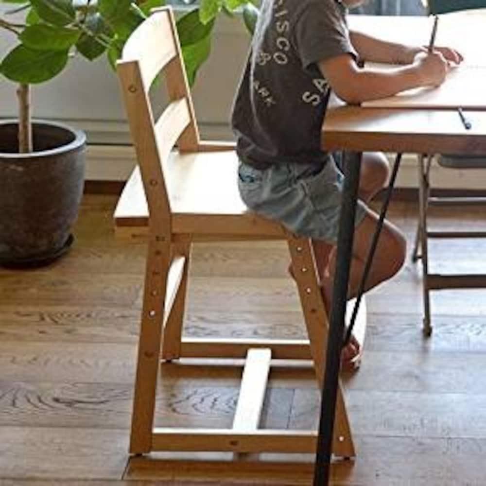 ダイニングでも使える椅子