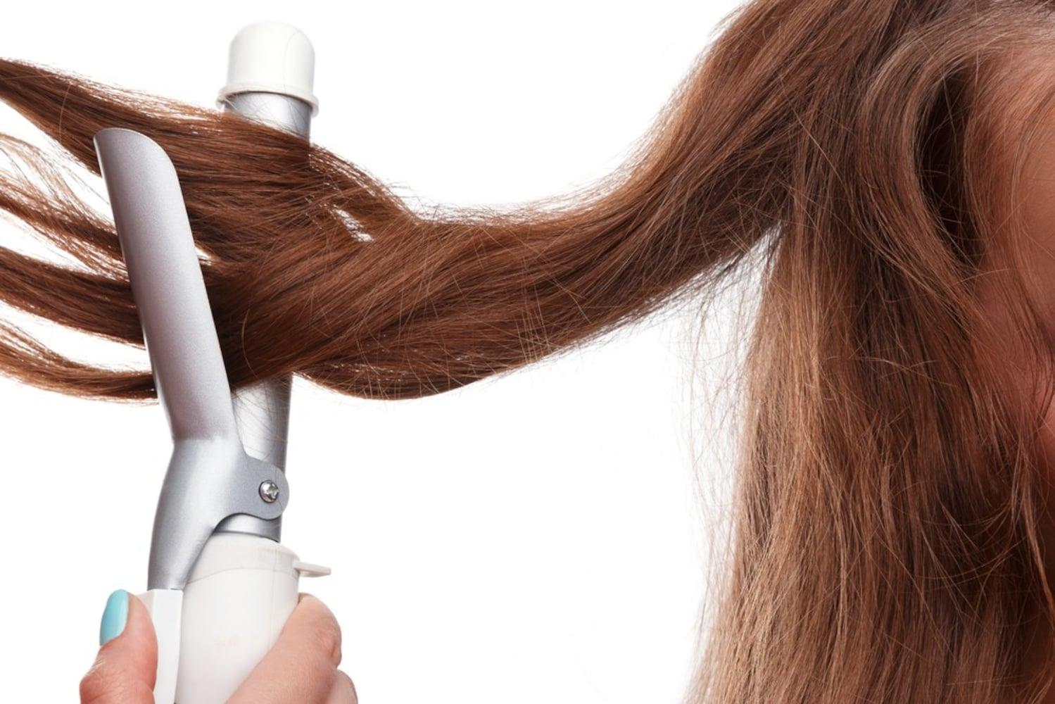 目指したいヘアスタイルによって変える!華やかな印象にはコテタイプ