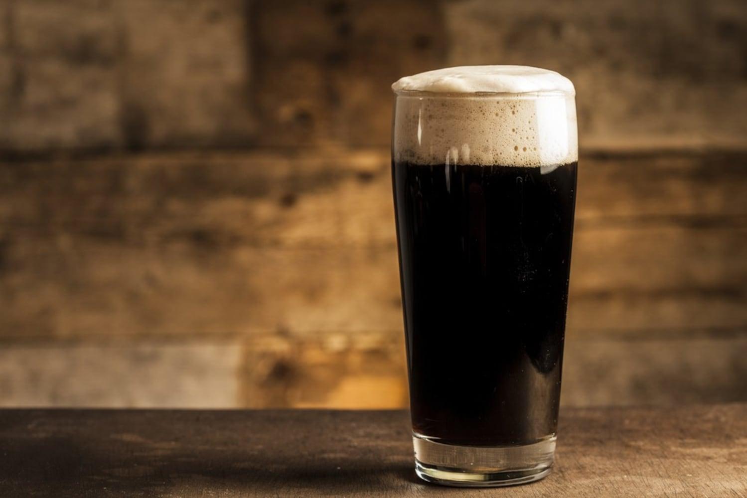黒ビール 「シュバルツ」はビール通の舌を唸らせる