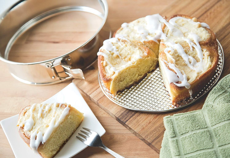 形状1|デコレーションケーキは丸型、ブラウニーはスクエア型