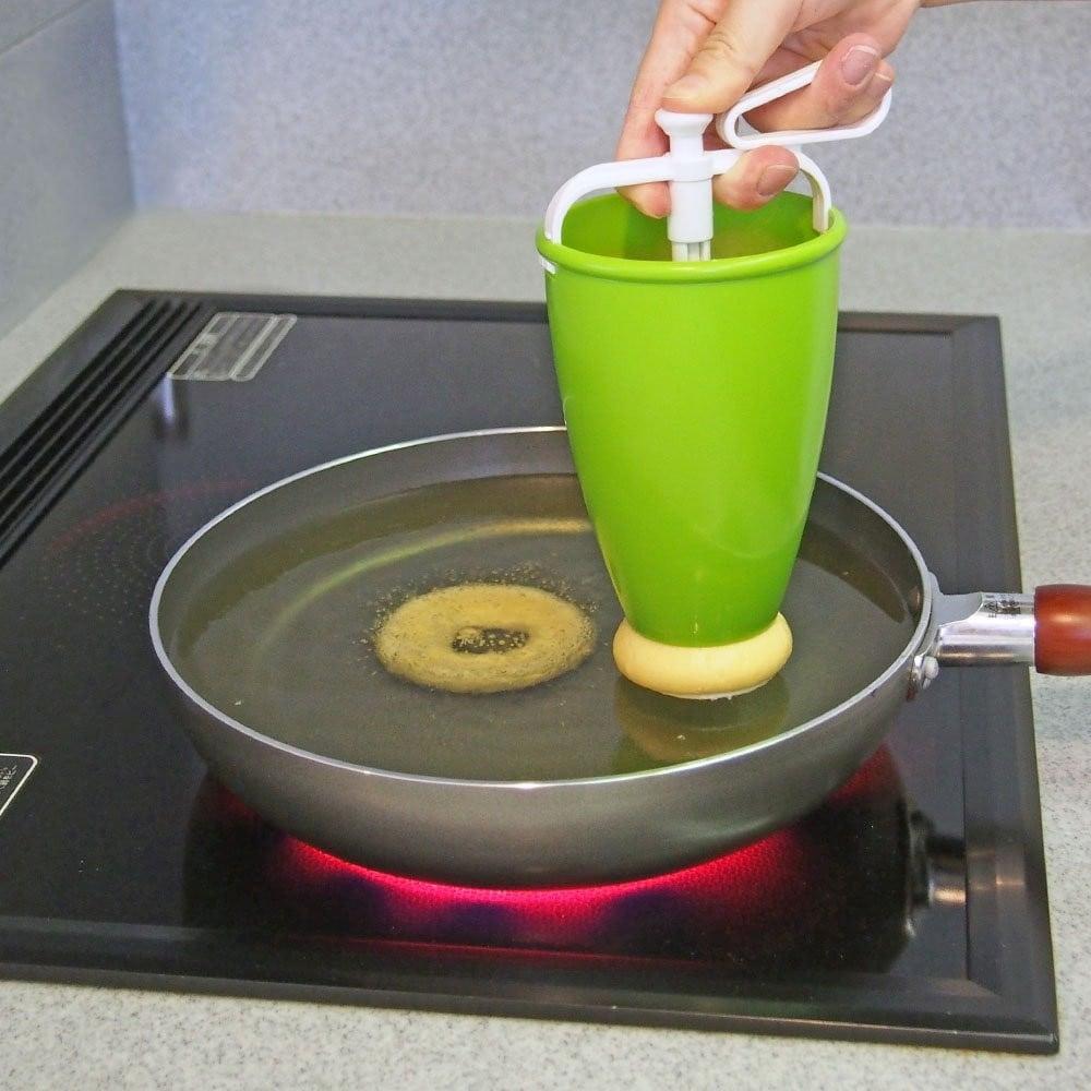 押し出しタイプ|手を汚さずに揚げドーナツが作れる