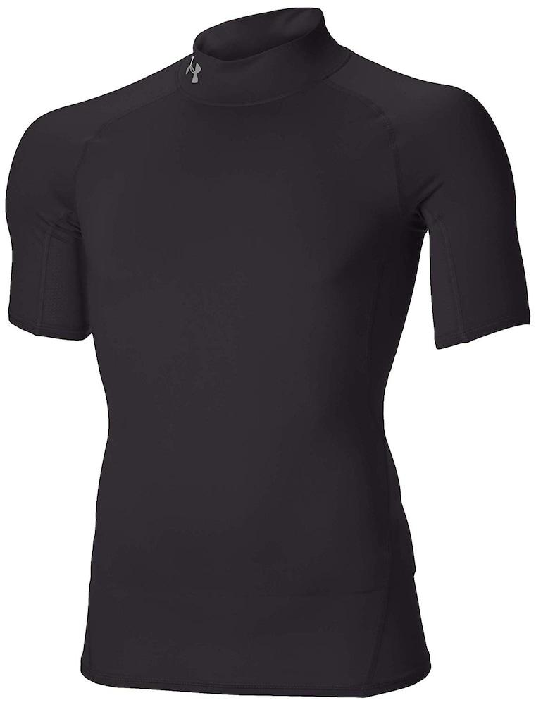 サッカー用インナーシャツの役割と効果とは?