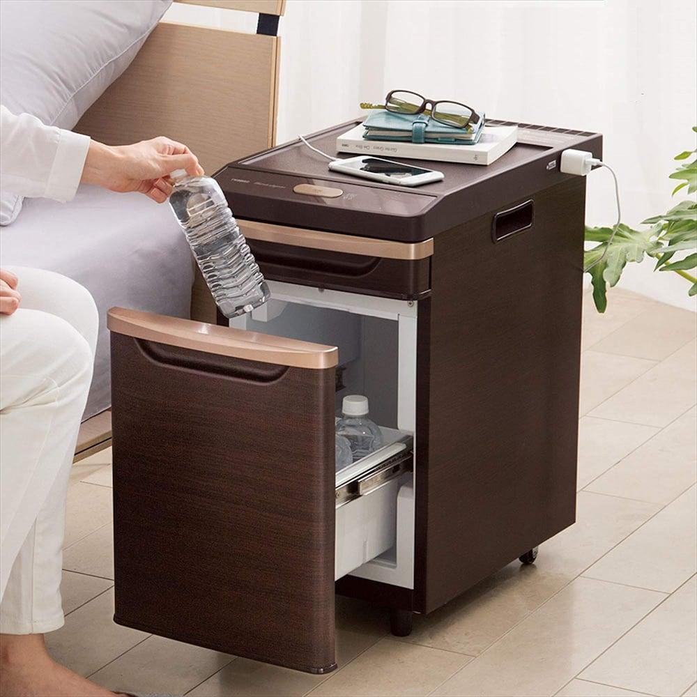 ツインバードの冷蔵庫はベッドサイド用の小さめサイズから大容量のものまで