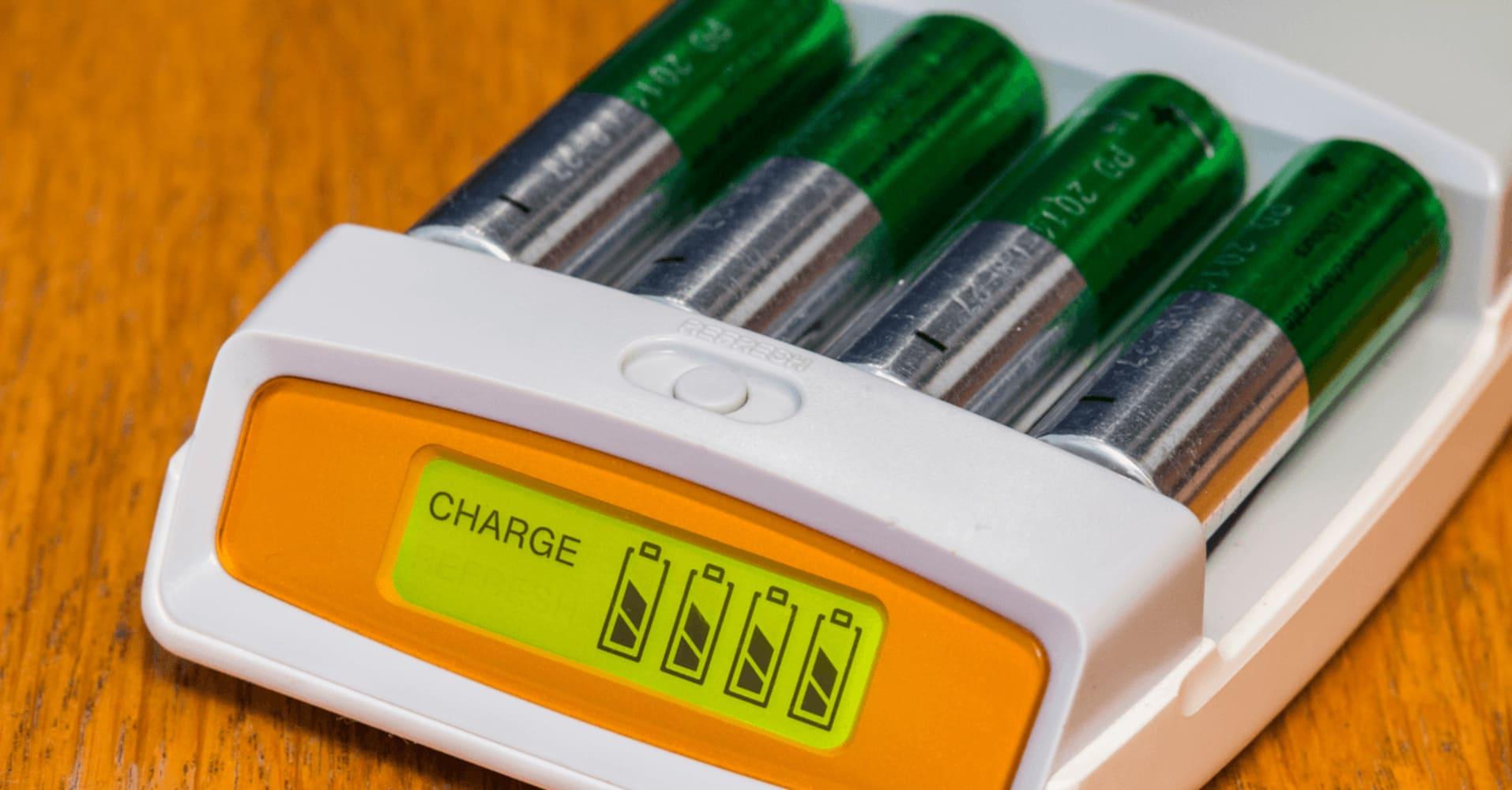充電式電池とは?乾電池との比較やとメリットを紹介