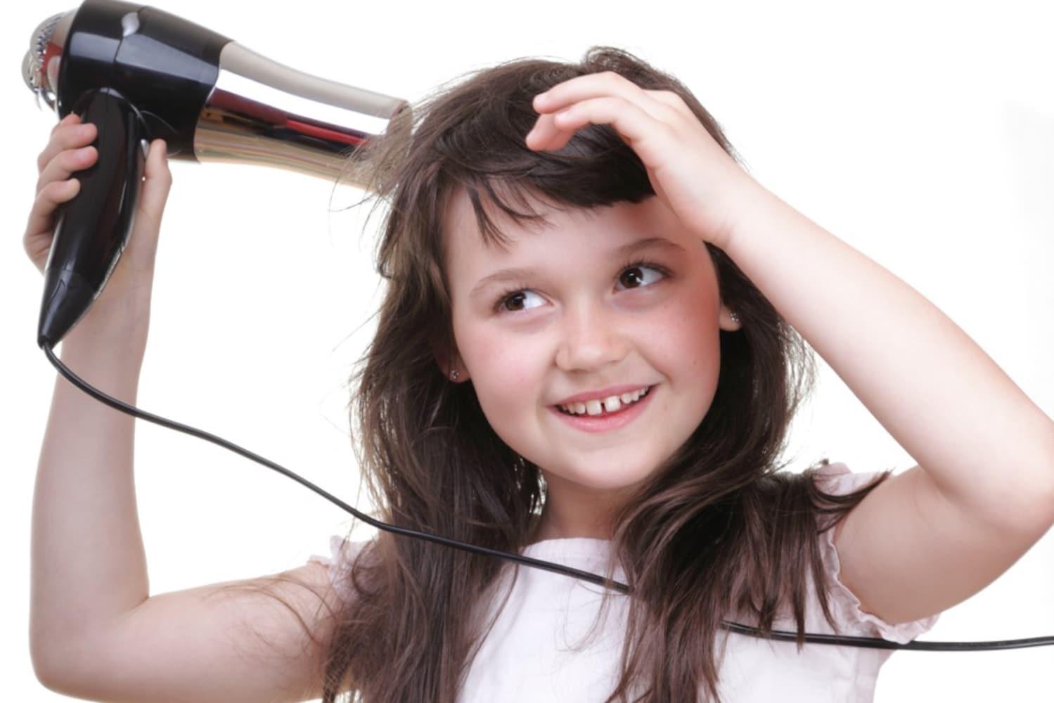 低温ドライヤーの使い方|髪からの距離と温度設定がポイント