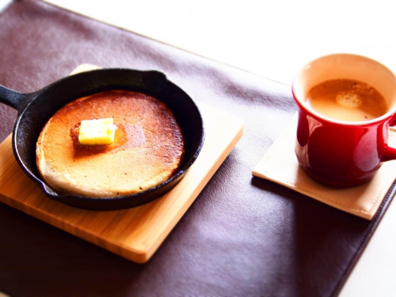 スキレットで焼いたホットケーキ