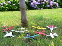 ペーパークラフトの飛行機を飛ばそう!紙飛行機の型紙をダウンロード