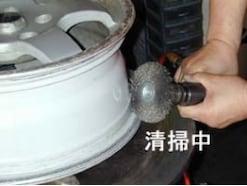 パンクだけじゃない?タイヤの空気漏れ原因と対策・確認方法