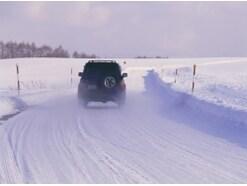 冬の車の暖機運転はどのくらい必要?