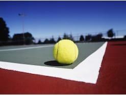 テニスボールの構造と選び方!初心者におすすめの硬式ボールとは