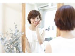 口元を鍛える!簡単な顔の筋トレで頬のたるみ対策