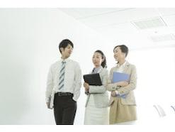 ビジネスマナーの基本となる挨拶の心得……職場や社外での挨拶方法