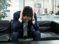 孤立してしまう…クラスや会社で孤立しがちな人の傾向とは