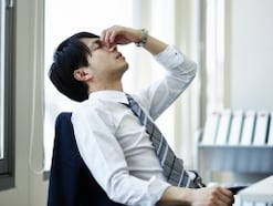 吐き気・嘔吐が起こる原因と仕組み【専門医が解説】