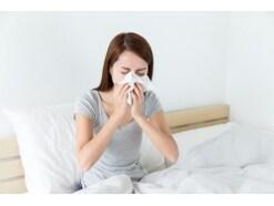 花粉症による不眠…「鼻づまりで一睡もできない」の解消法