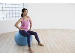 バランスボールのサイズと選び方、効果的なおすすめトレーニング
