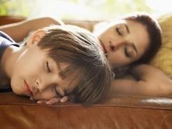睡眠中にてんかん発作?睡眠てんかんの症状・治療法