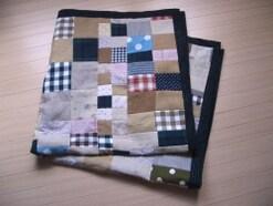 パッチワークをミシンで簡単に!お手軽ブランケットの作り方・縫い方