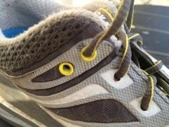 マラソンに適したほぼほどけない靴紐の結び方