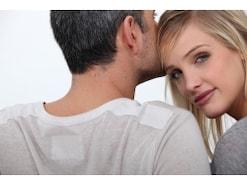 不倫に注意!50代男性との恋愛にハマる女性が急増中