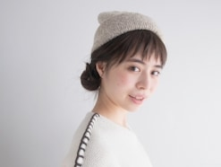 ニット帽が似合う!三つ編みでできる簡単ヘアアレンジ