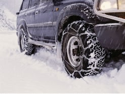 寒い時期に起こりがちな車のトラブルへの対処法
