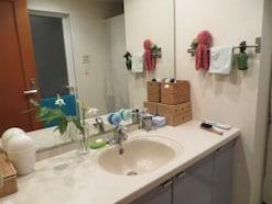 色や柄の氾濫する洗面所をスッキリ空間に変えるコツ
