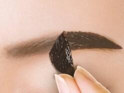 話題の眉ティントの使い方!初心者でも美眉作りが簡単