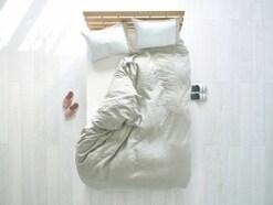 夫婦円満の秘訣は同じ布団でくっついて寝ること