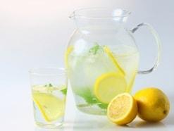 40代の朝に1杯!レモン白湯で若見えダイエット習慣