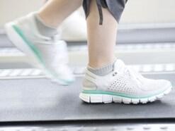 捻挫の応急手当と注意点……足を捻ったらRICE処置