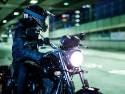 ハーレーに映えるオフロードヘルメットという選択肢
