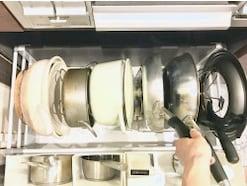 鍋・フライパンの収納アイデア!使いやすいキッチンになる収納のコツ