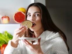 甘い物依存・間食がやめられない!おすすめの対策法は?