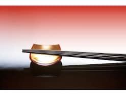 日本の箸文化・箸の使い方、なぜ日本では箸を横向きに置くの?