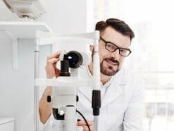 白内障や緑内障でもワクチン接種して大丈夫?目の病気と新型コロナワクチン