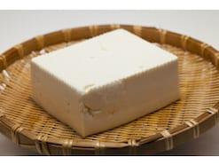 """急いでいて「豆腐の水切り」がきちんとできない時、時短でも美味しくするための""""ひと手間"""""""