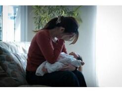 第三子を出産してすぐ、夫の社内不倫と、相手女性の妊娠が発覚。それでも夫婦関係の再構築を選択した女性の話