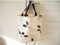 ビニール素材の手提げバッグの作り方!簡単でおすすめ