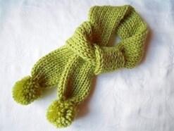 リリアンでマフラーの編み方 編み機は空き箱で手作り!