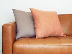 革ソファの正しいお手入れ方法で汚れから守ろう