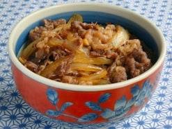 つゆだく牛丼のレシピ…使う部位は牛バラ肉等がおすすめ