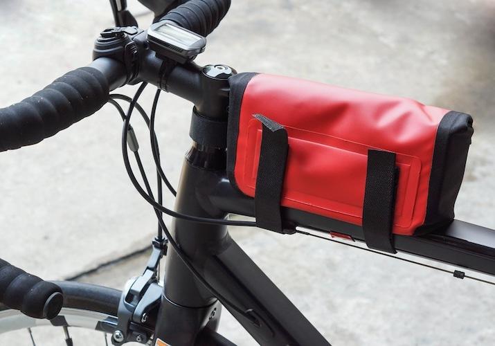 ▼トップチューブ・フレームバッグ|フレームに取り付け!すぐに取り出せるのが魅力